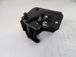 DOOR HINGE LOWER 78-87 A/G BODY