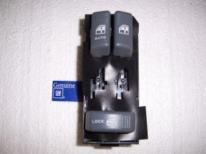 POWER WINDOW DOOR LOCK SWITCH GM LH CK S-10
