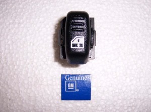 POWER WINDOW SWITCH RH GM 97-02 CAMARO