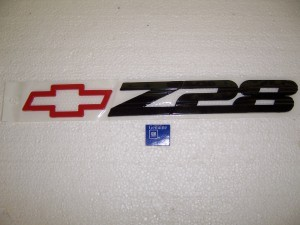 Z28 REAR BUMPER EMBLEM GM RED 93-02 CAMARO