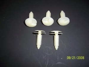 UPPER WINDSHIELD MOLDING CLIPS 5