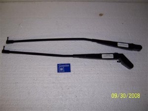WINDSHIELD WIPER ARM NOS GM SET 82-86 CAMARO FIREBIRD